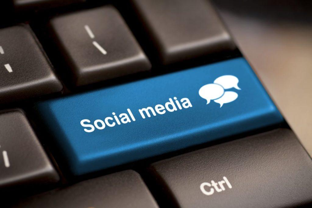 social media button keyboard